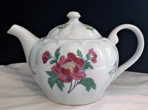 Parfums Laura Ashley Teapot and Set of Two Teacups