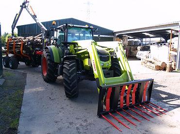 2020 LFS Yard-035.JPG