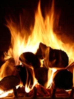 Linnorie Firewood Services (LFS) - Aberdeenshire & Moray firewood logs supplier: a cosy fire