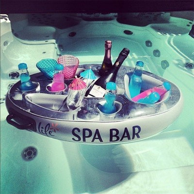 Inflatable bar SPA BAR