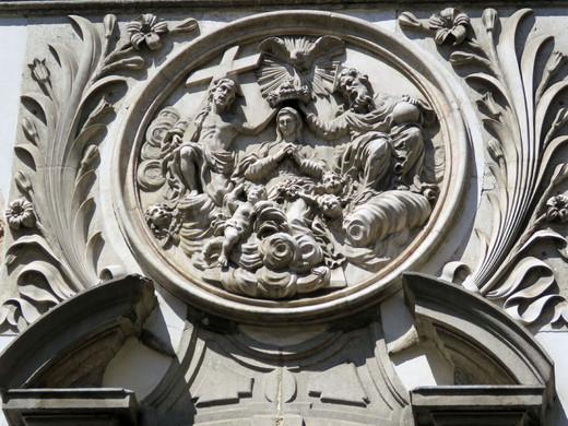 Representação da coroação da Virgem