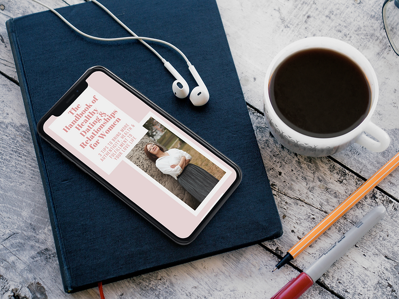 iphone-x-mockup-lying-on-top-of-a-book-w