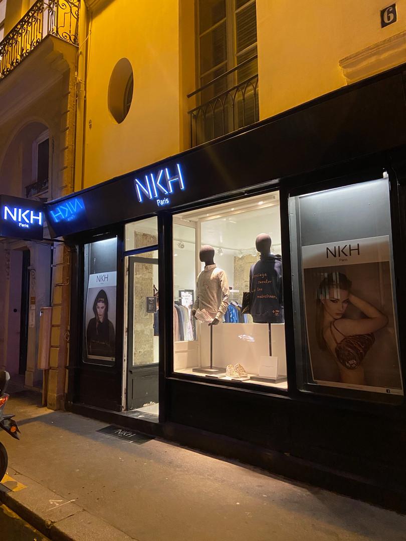 Extérieur vitrine boutique NKH