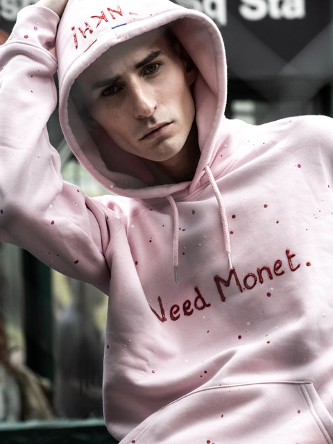 Hoodie rose NKH inscription Need Monet