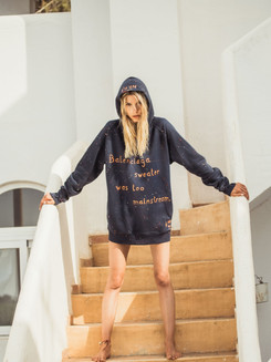 Hoodie bleu : Balenciaga sweater was too mainstream
