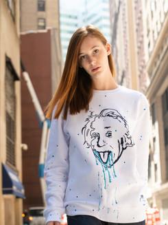 Sweat Einstein blanc et peinture bleue