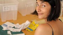 Une jeune Bordelaise crée de jolis bas de contention pour donner le sourire aux malades