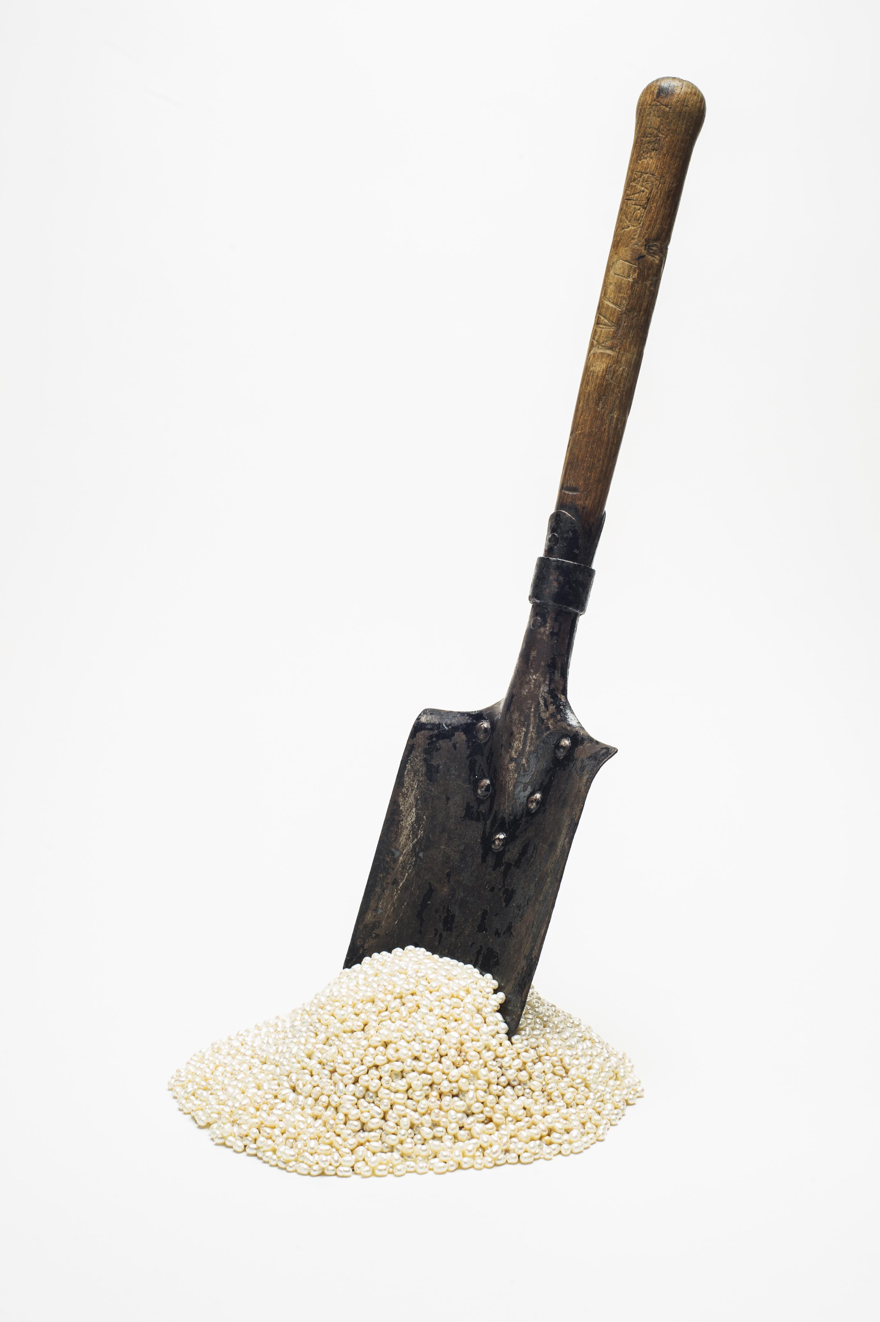 Must Have – shovel