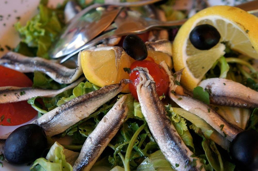 Салат с сардинами