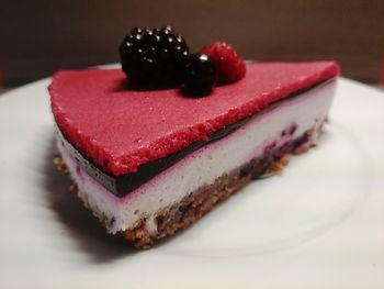 Черносмородиновый муссовый торт