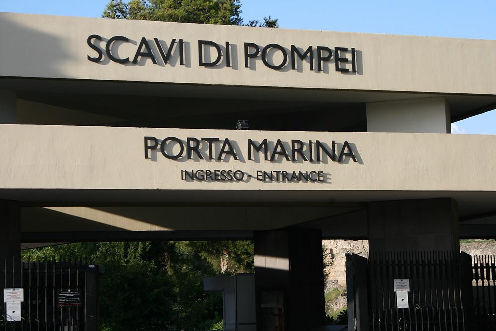 Вход в Помпеи