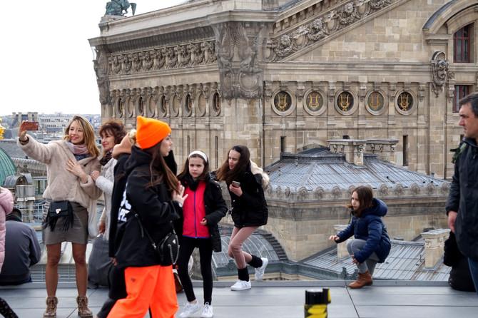 Париж глазами кинематографа, общественный транспорт и забастовки.