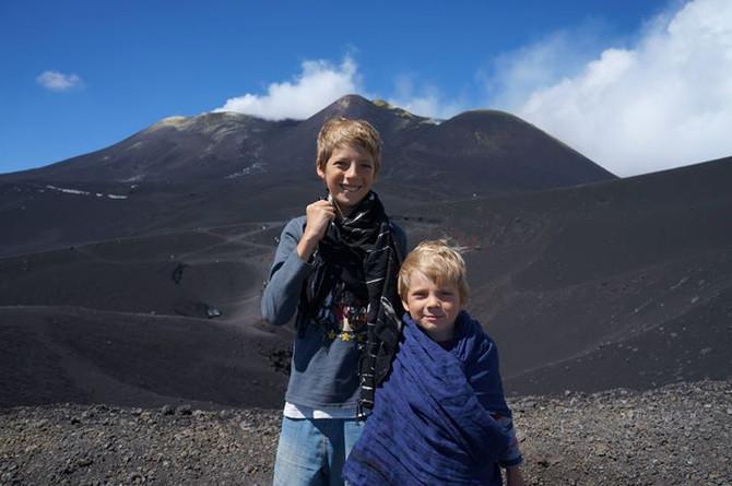 Стоит ли подниматься на вулкан Этну с детьми?