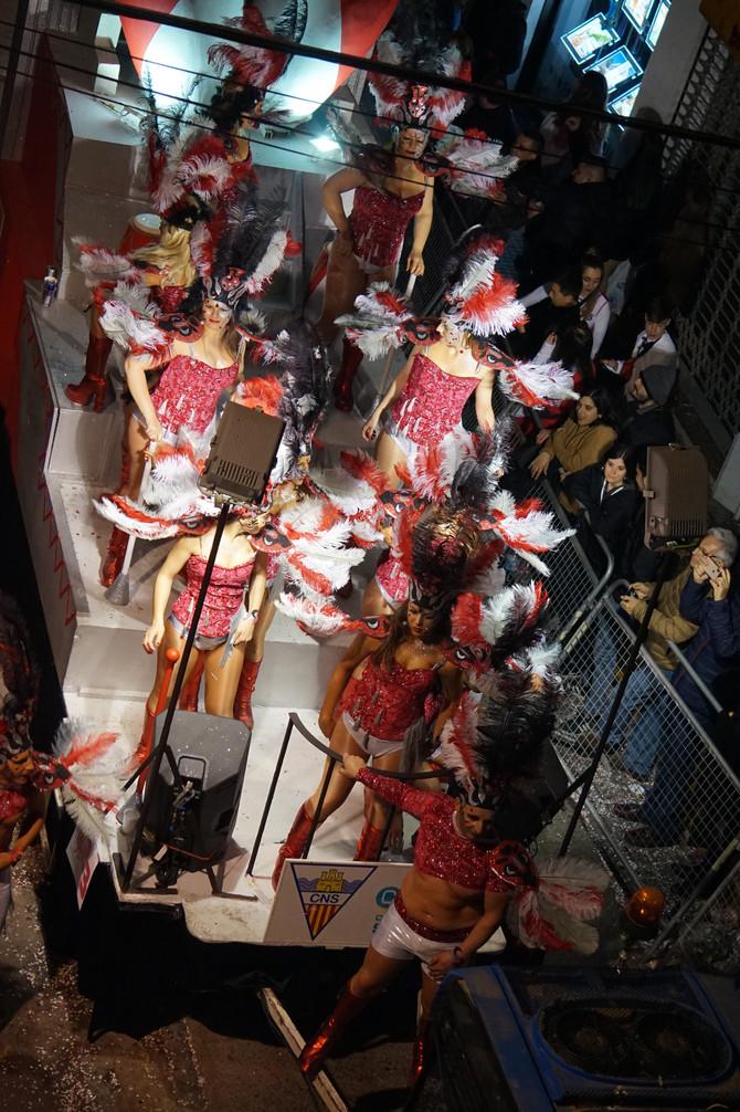 Карнавал в Ситжесе входит в десятку лучших в мире!
