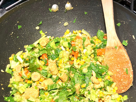 Golden vegetable stir fry