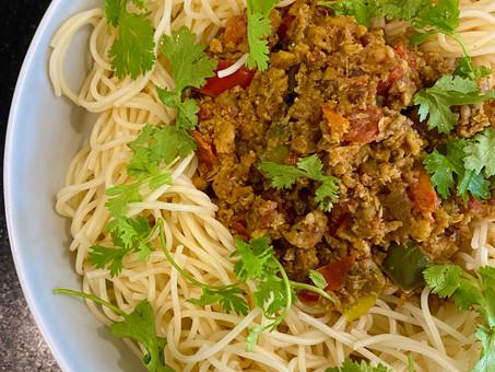 Vegan meat sauce with pasta (Somalian Suugo suqaar)