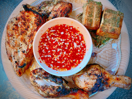 Grilled chicken with hot and sweet dipping sauce