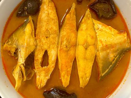 Goan sour and spicy pomfret curry (Paplet ambotik)