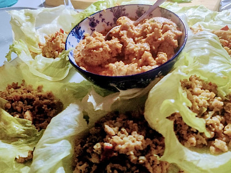Spicy chicken lettuce wraps with (world's best) peanut satay sauce