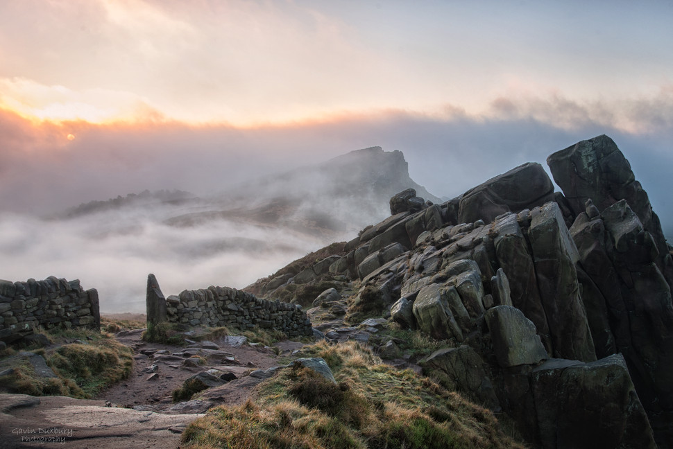 Hen Cloud From The Roaches