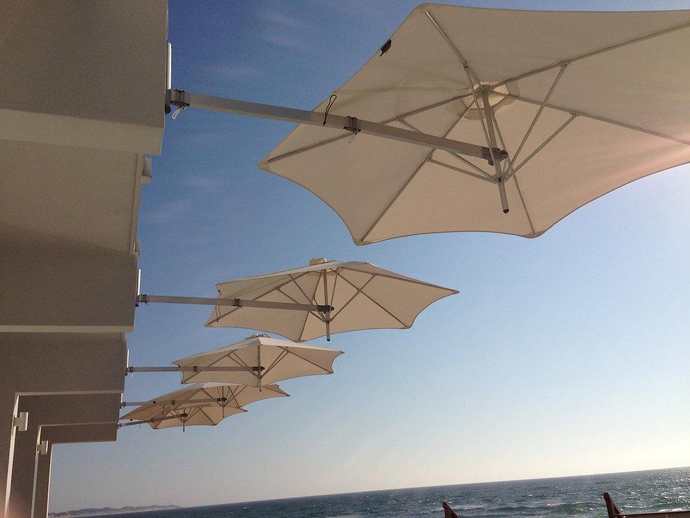 Wall mounted parasol Paraflex Hotel reso