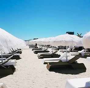 püsküllü güneş şemsiyesi, uçuşan güneş şemsiyesi, beach club güneş şemsiyesi, tasarım güneş şemsiyesi, bohem güneş şemsiyesii lara concept