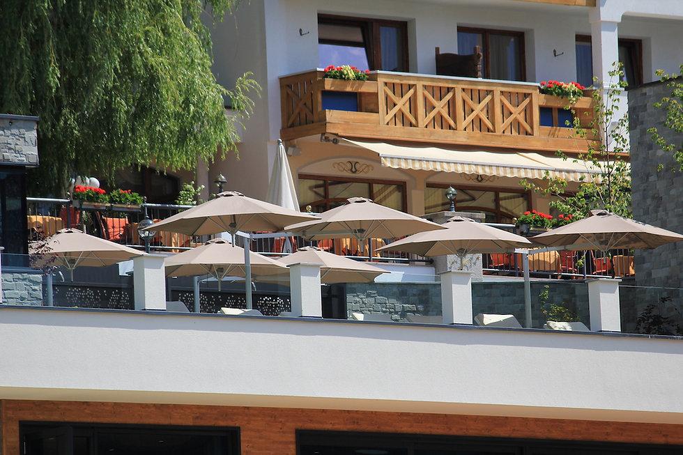 Paraflex parasols Cervosa hotel Serfaus1
