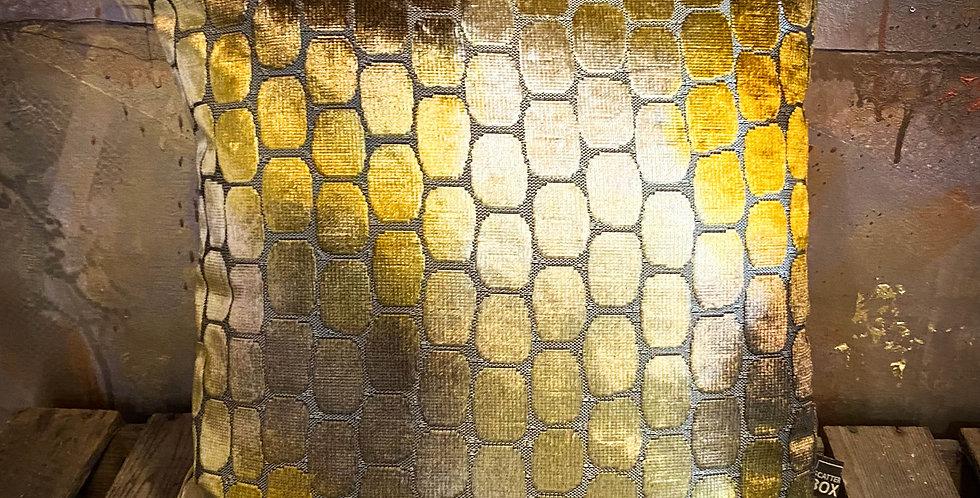 Ariel gold cushion