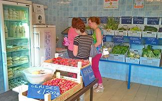 Magasin de la Ferme de la Chapelette, produits laitiers, fruits et légumes de saison, belgique
