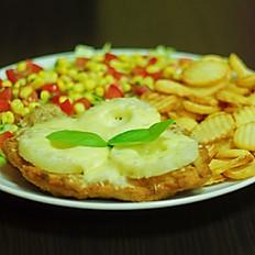 7. Filet z kurczaka panierowany z ananasem