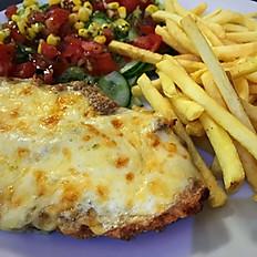 5. Filet z kurczaka panierowany zapiekany z serem