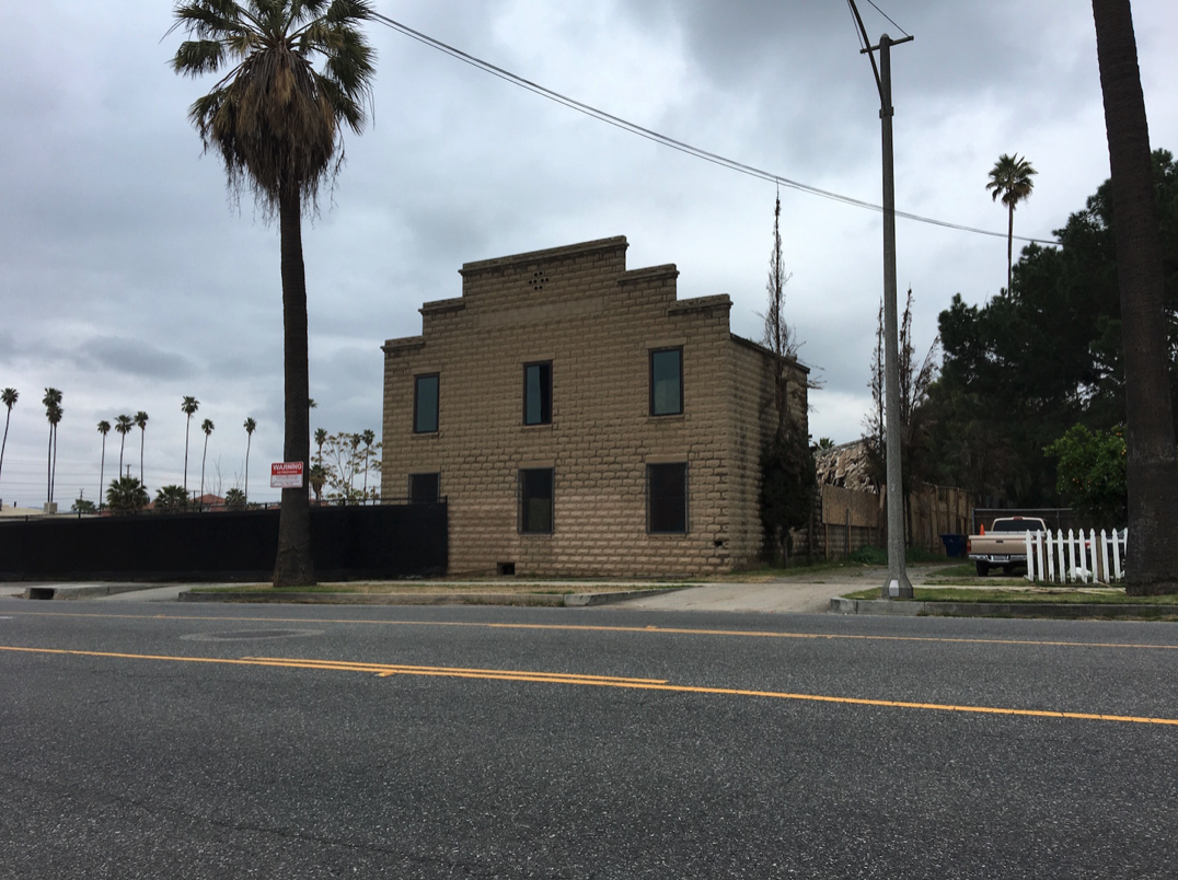 Figure 6 - Soda Works Building on Mission Inn Avenue (Photograph by the author)