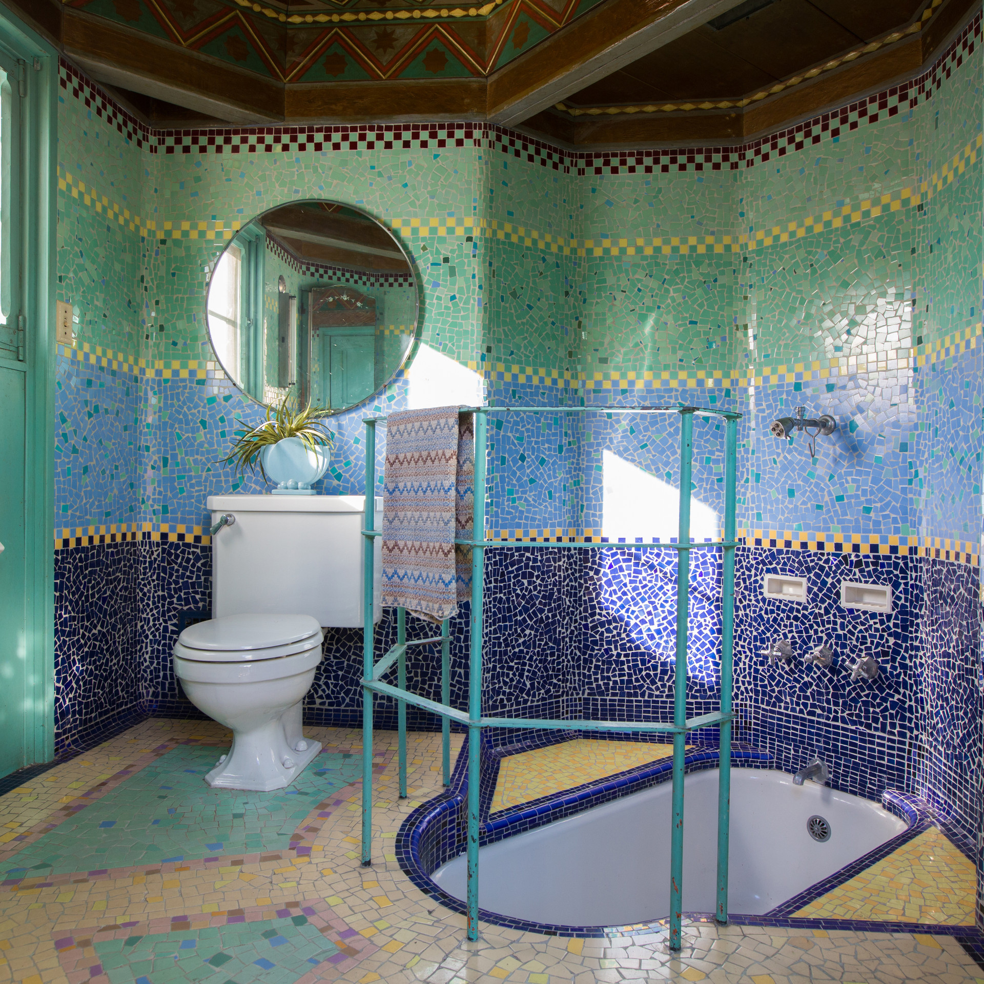 Weber-House-Bathroom.jpg