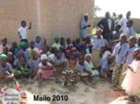 Doação de Alimentos em Mailo Interior do Niger