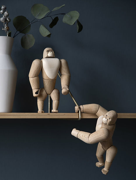 gorillas_hanging_standing_1024x1024_2x.jpeg