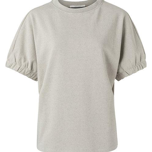 Elastic cuff sweater