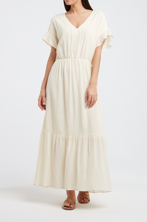 Voluminous maxi dress with ruffled sleeves