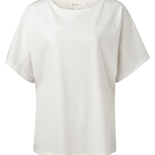 Top with seams at front and back