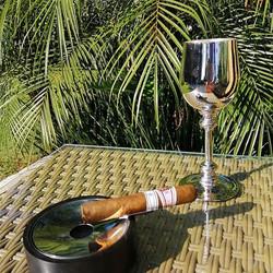Deco cigar astray