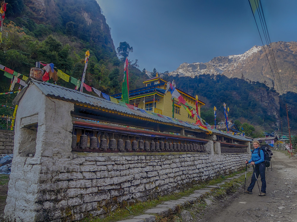 Hiking the Annapurna Circuit Trail in Nepal. Day 2, from Dharapani (1900m) to Koto/Chame (2700m).
