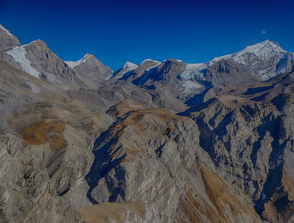 Hiking the Annapurna Circuit Trail in Nepal. Day 7, from Yak Kharka (4050m) to Thorong Phedi (4500m)