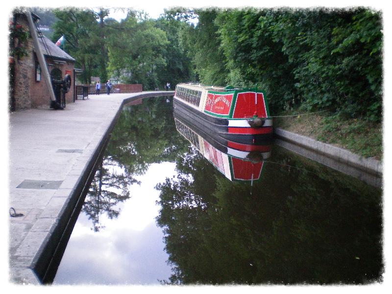 Llangollen canal wharf