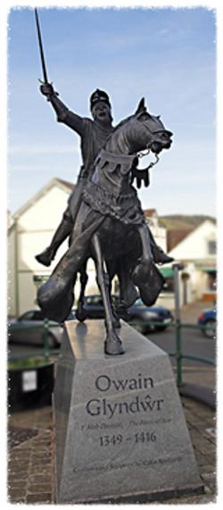 Owain Glyn Dŵr Statue in Corwen