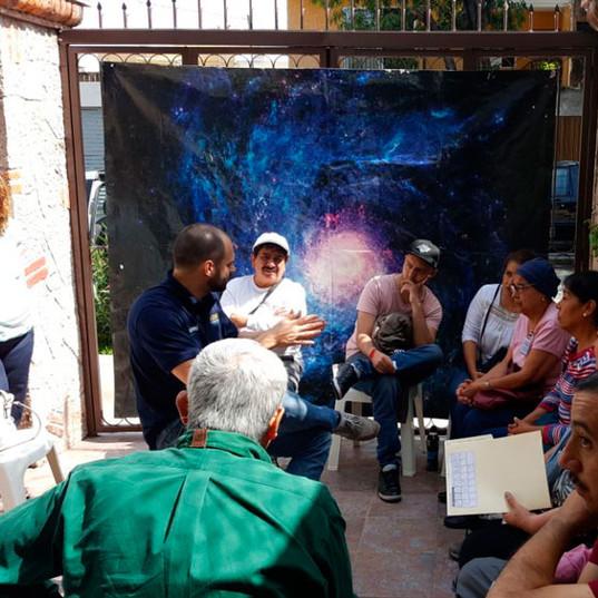 Conversa com pacientes em Guadalajara