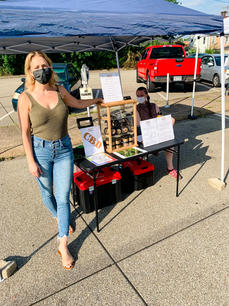 Rebecca at the Swissvale Farmers Market! Here's the sales part of seed-to-sale