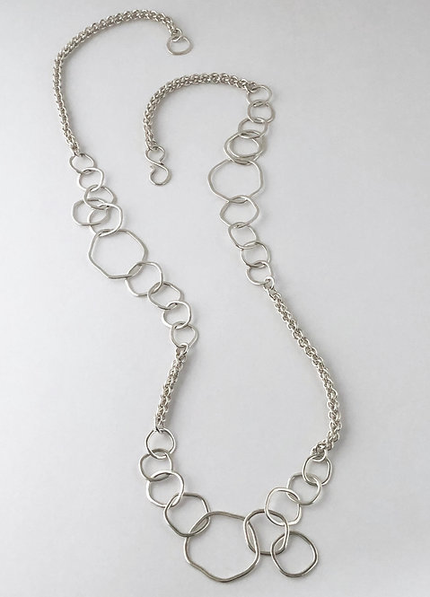 Long Kinky O Necklace