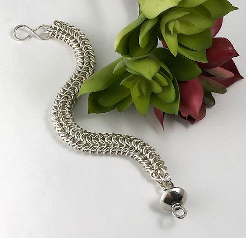 Closed Maille Bracelet with Saucer Bead