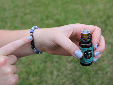 How to Apply Essential Oils to Jewelry