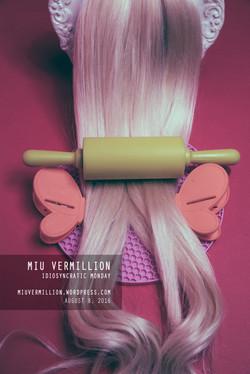 miu-vermillion_idiosyncratic-monday_08082016_blonde-hair-rolling-pin_surreal_whimsical_polaroid_001