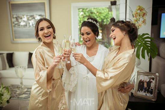 Un brindis con las Bridemaids o madrinas de bodas
